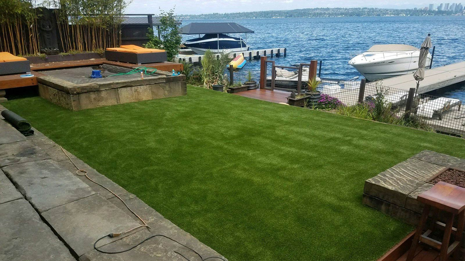 synthetic grass on lake home